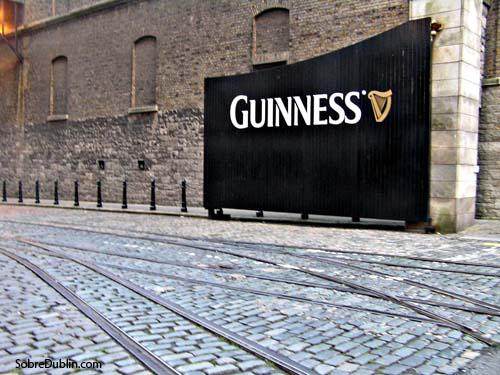 Entrada a la Guinness Storehouse