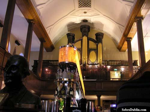Restaurante The Church - órgano